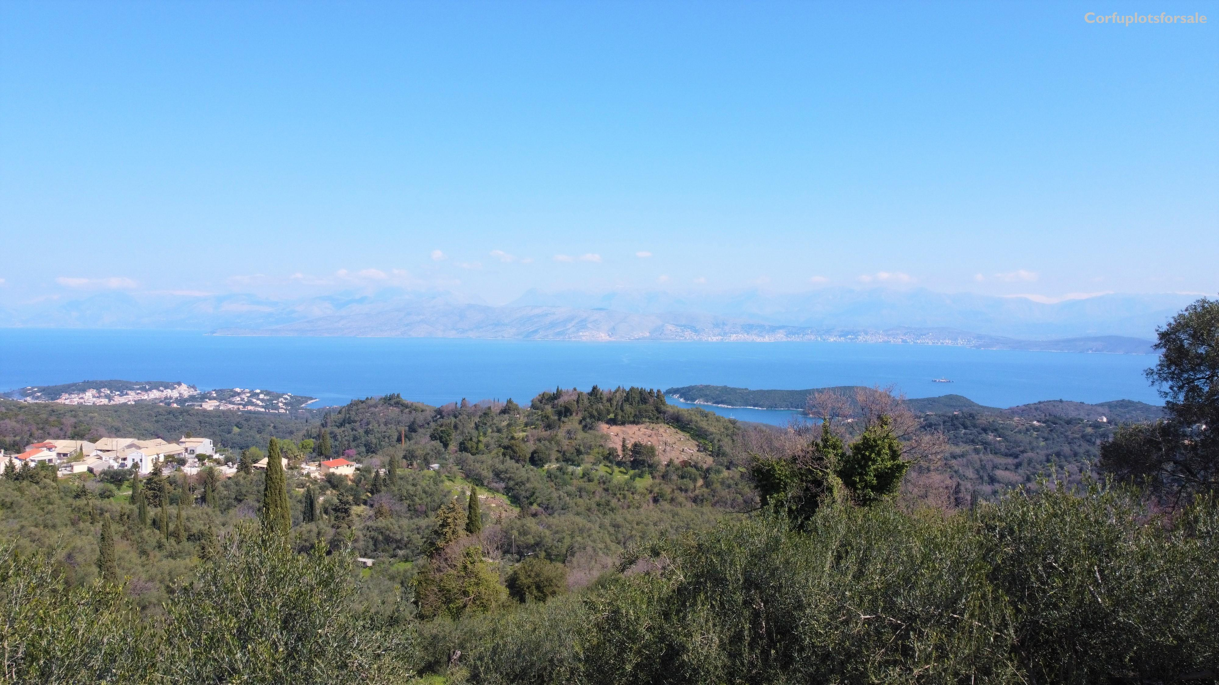 Plot with gentle slope and incredible view