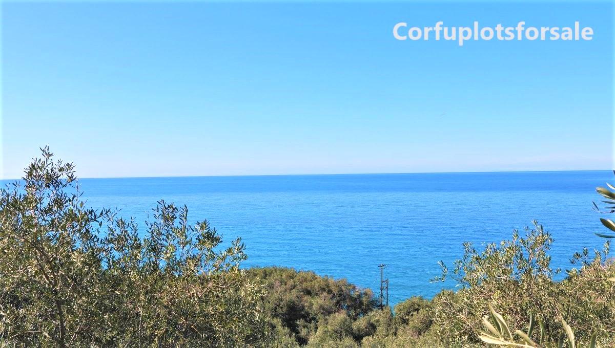 "Pentati ""bargain"" plot on the road – 100m to the beach"