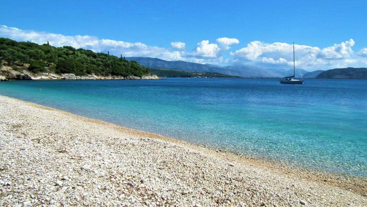 7 - Kerasia beach