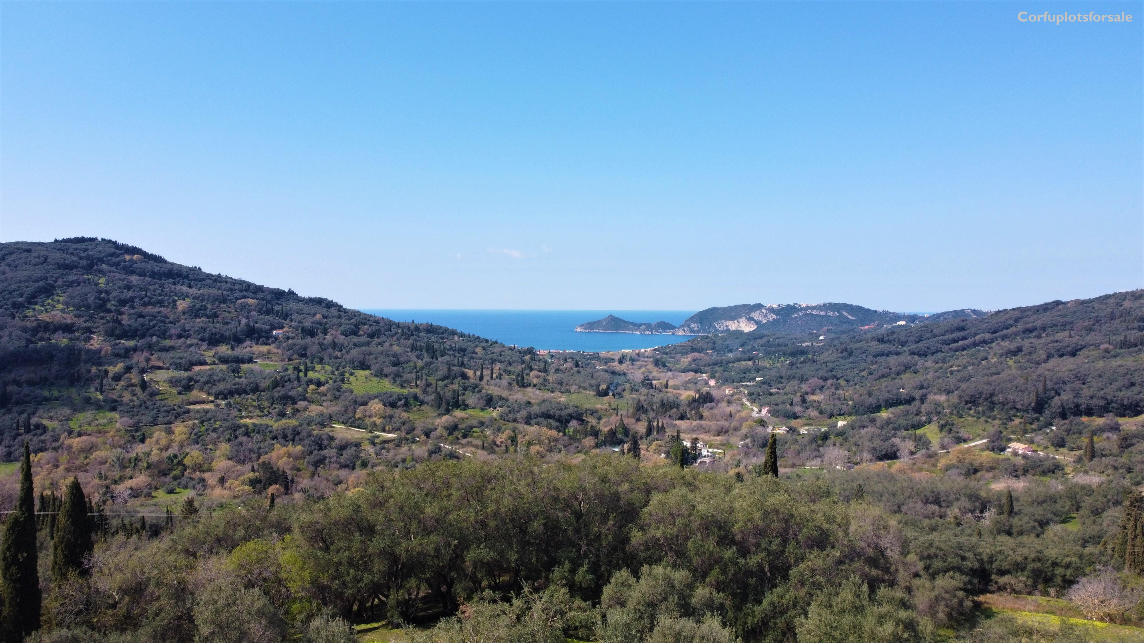 Plot with amazing view suitable for owners who want to live permanently