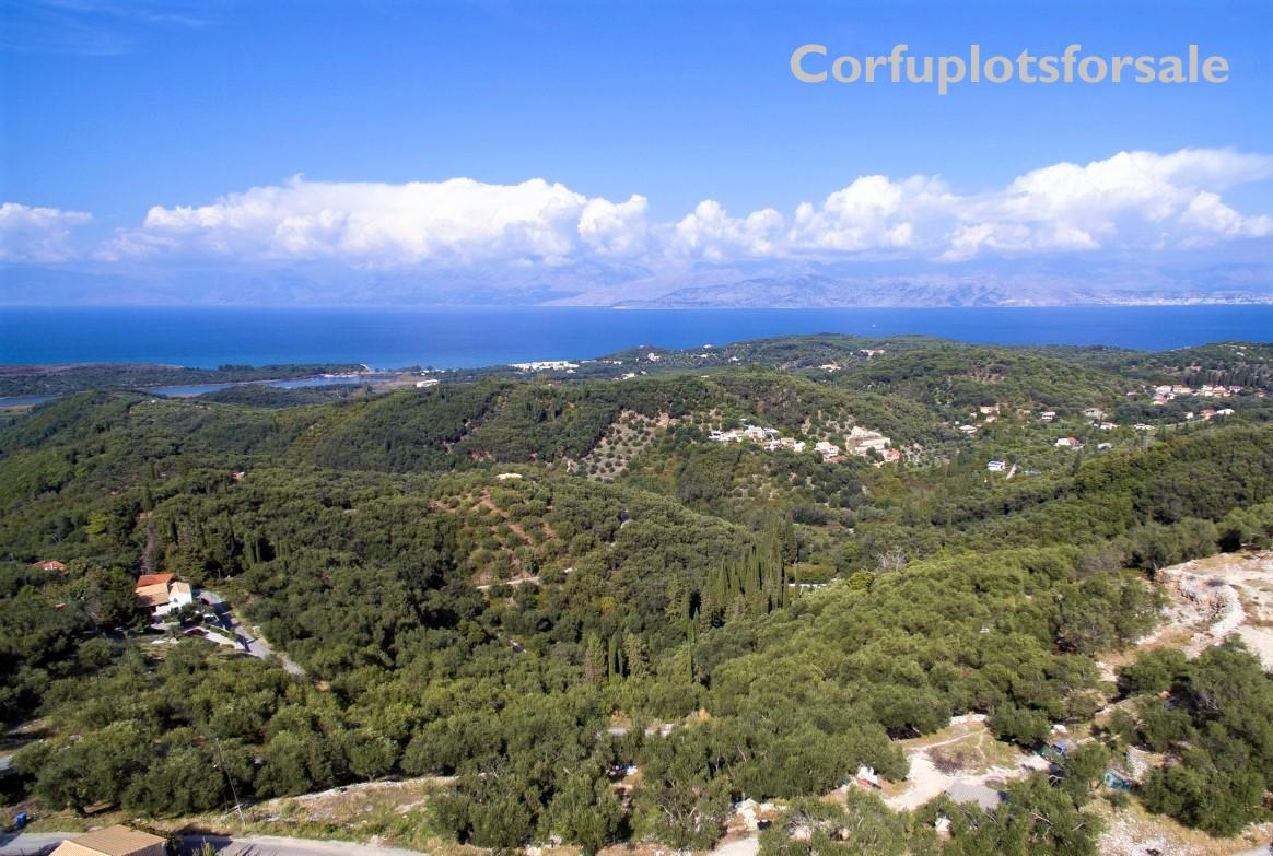 A plot with outstanding unobstructed view