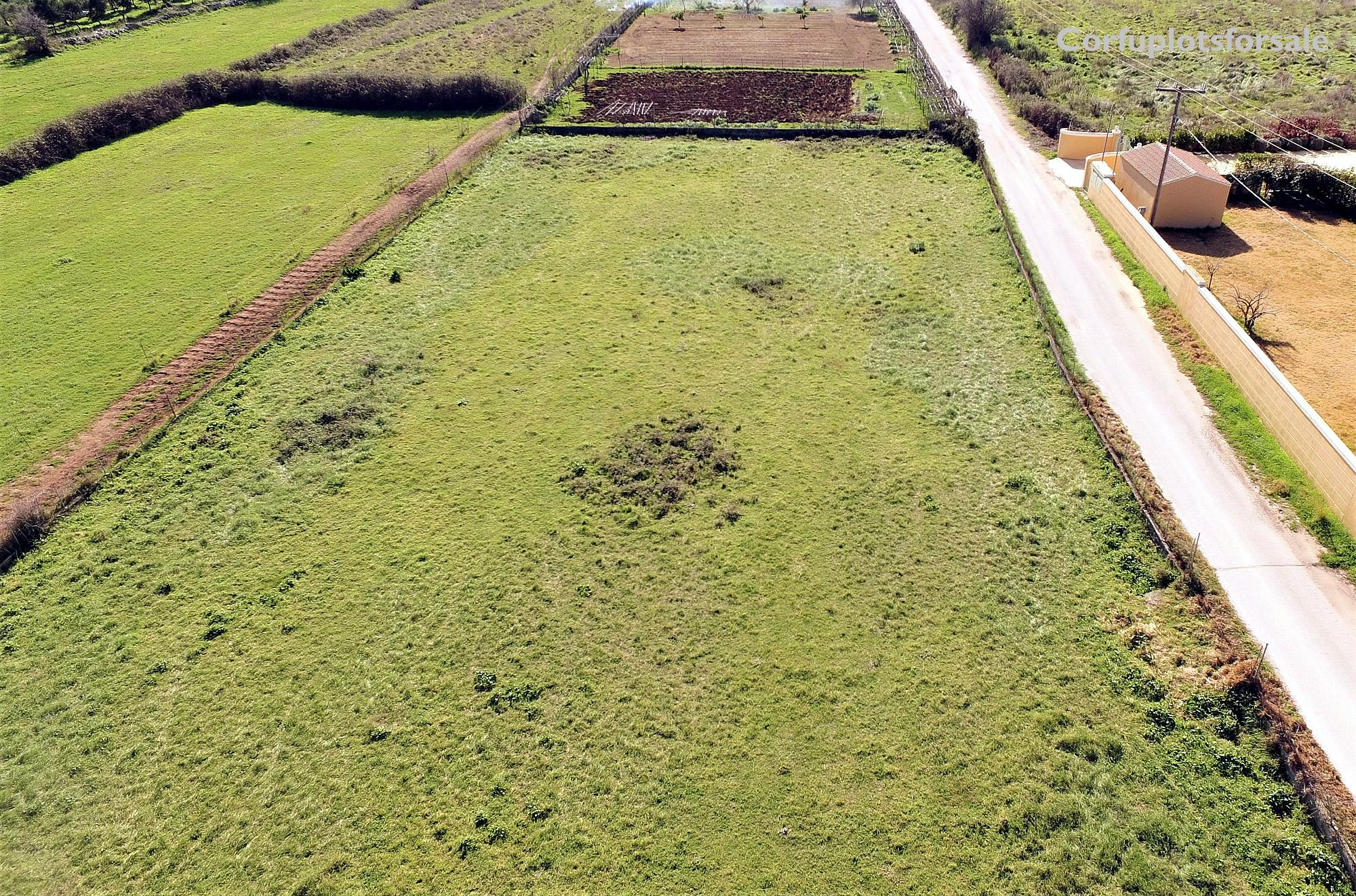 A level plot only 500m from a long sandy beach