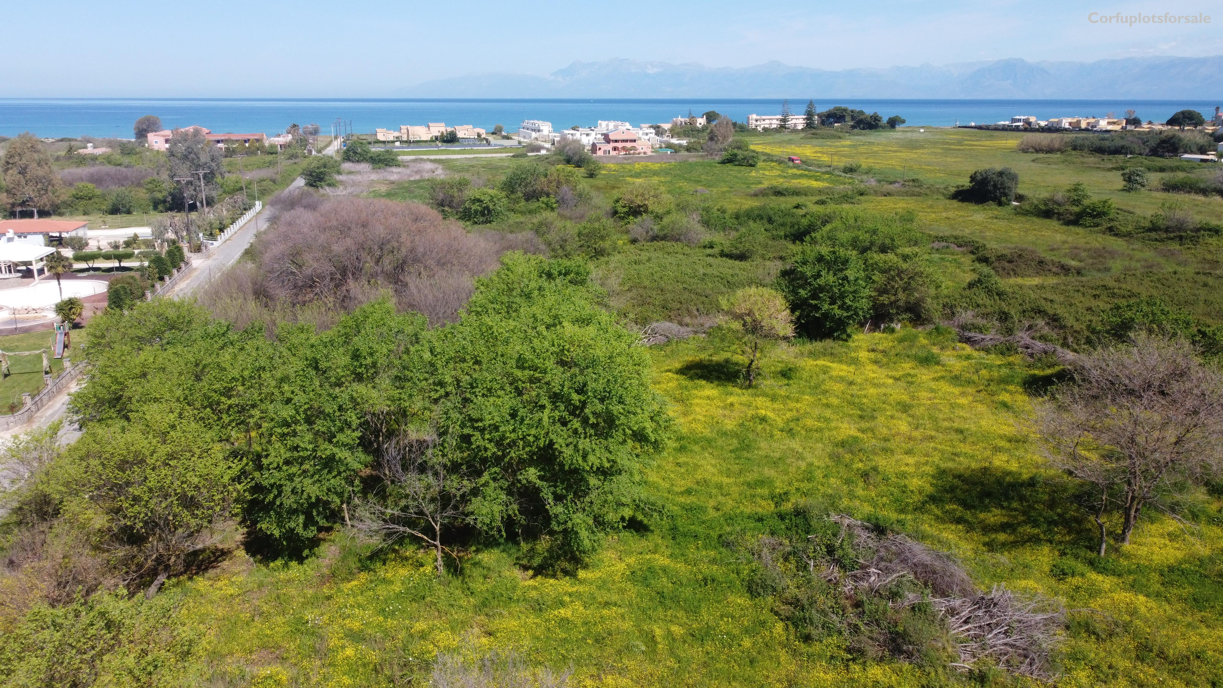 Flat part of land 400m from the beach
