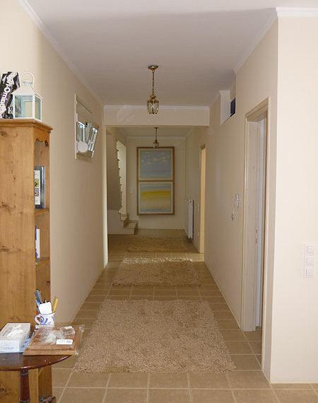 cp123-hallway-on-lower-floor