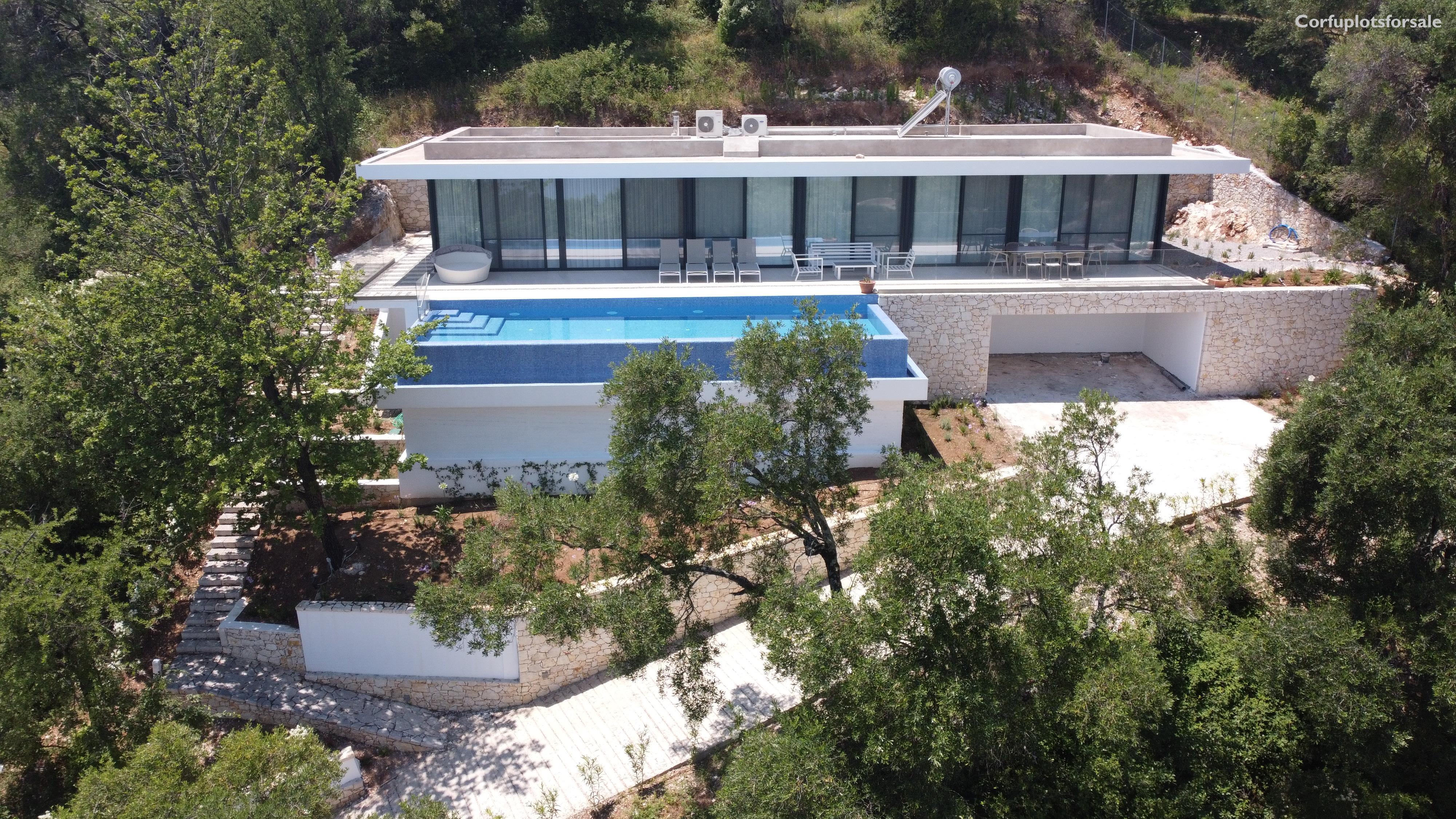 A very mondern house of 200 sq.m in Yaliskari North East Coast