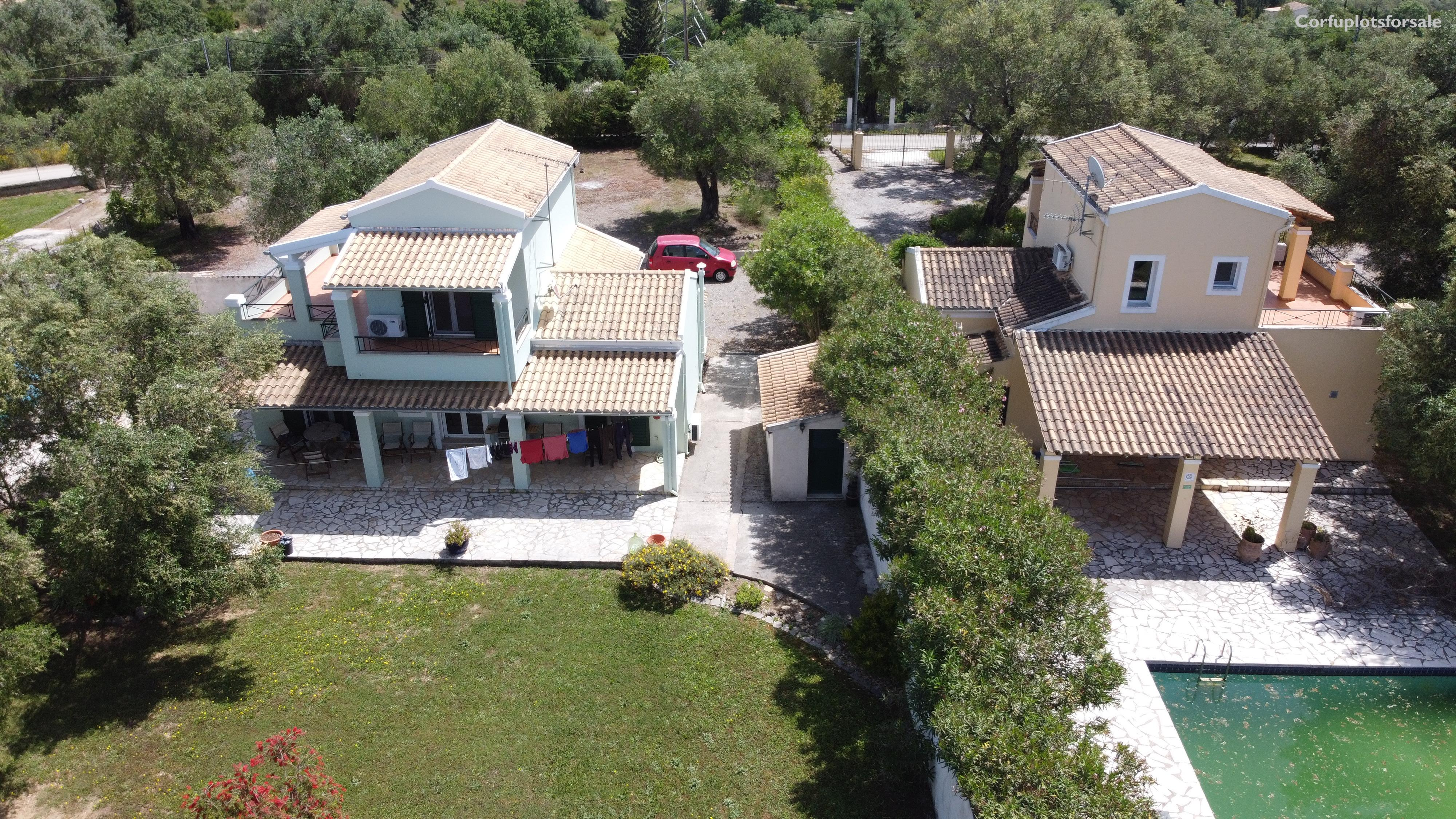 Twin villas 101 sq.m each with pool in Poulades area